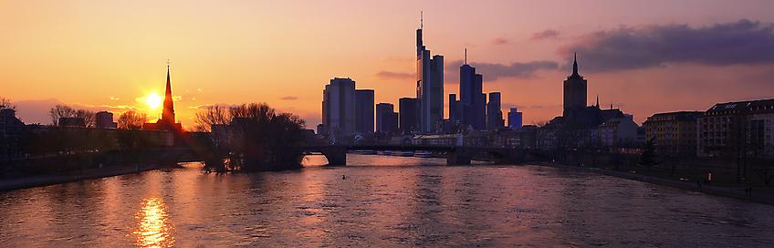 1038 - Sunset Skyline Panorama