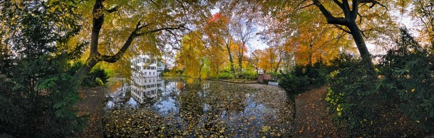 Herbst im Holzhausenpark - Panorama [no. 1422]