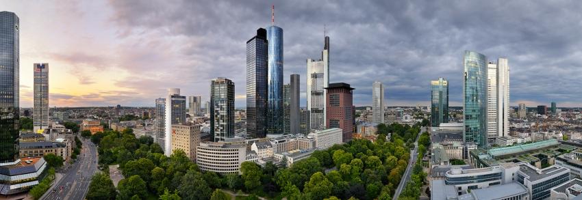 Frankfurter Skyline Kompakt Panorama [no. 1391]