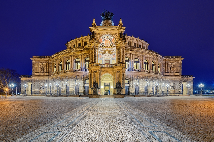 Dresden - Semperoper [No. 2111]